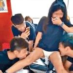 香港の大学で女子学生の脚を舐める新入生歓迎イベントが下品だとして物議
