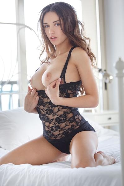 Gloria Sol Nude 2