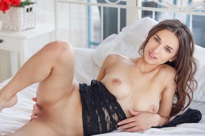 Gloria Sol Nude 10