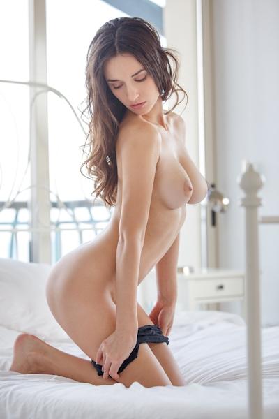 Gloria Sol Nude 12