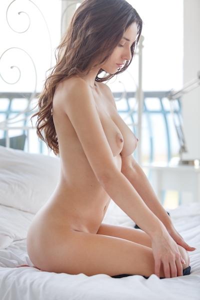 Gloria Sol Nude 13