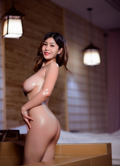 ロケット巨乳な中国美女の温泉ヌード画像 5