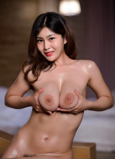 ロケット巨乳な中国美女の温泉ヌード画像 7