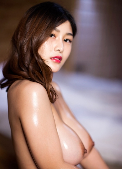 ロケット巨乳な中国美女の温泉ヌード画像 9