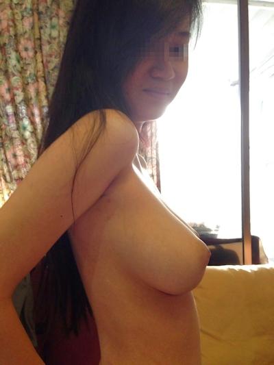 巨乳なシンガポール美少女の流出ヌード&ハメ撮り画像 9