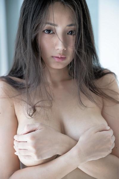 片山萌美 セクシーグラビア画像 6
