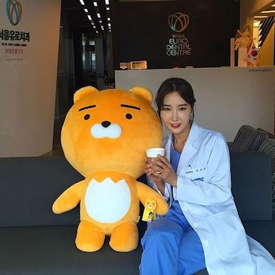 韓国の48歳美人歯科医 Lee Su Jin 8