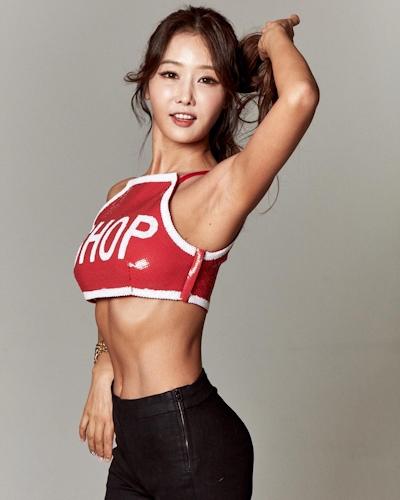 韓国の48歳美人歯科医 Lee Su Jin 10