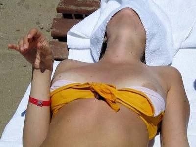 乳首ポロリ画像 12