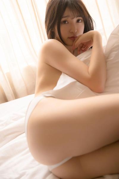 中国美少女モデル 伊小七MoMo セクシーセミヌード画像 4