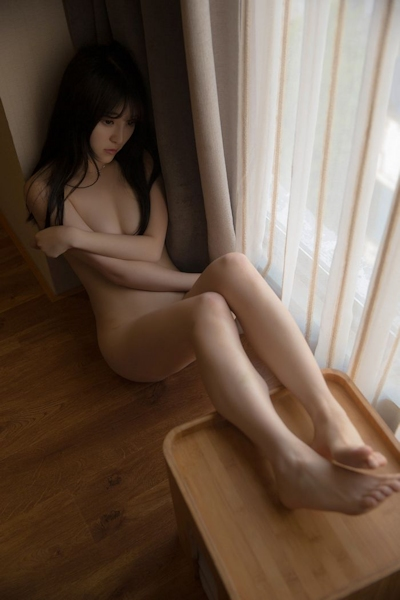 中国美少女モデル 伊小七MoMo セクシーセミヌード画像 23