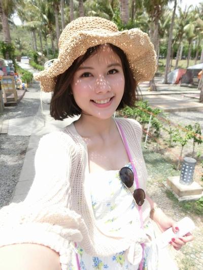 長榮航空(エバー航空)の美人CA 潘蜜拉(Pamela Fang) 17
