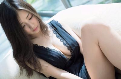 片山萌美 セクシーグラビア画像 10