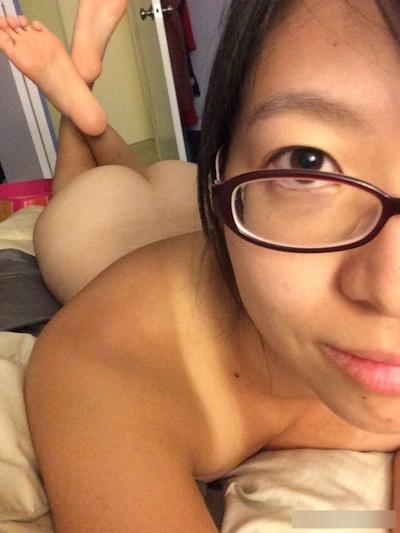 素人女性の自分撮りセクシー画像 14