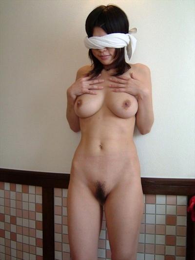 日本の素人女性のプライベートヌード画像 8