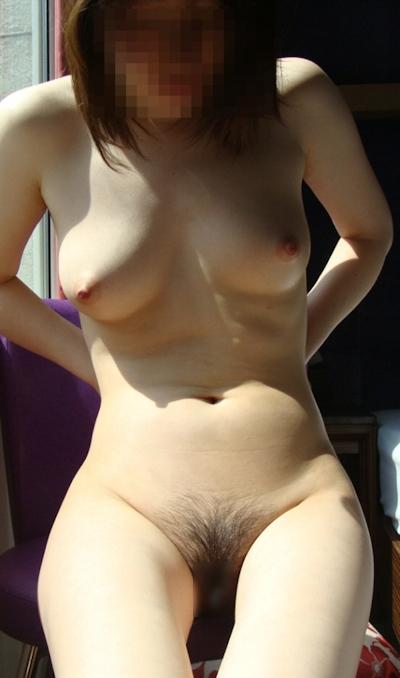 美乳なアジアン女性のヌード画像 4