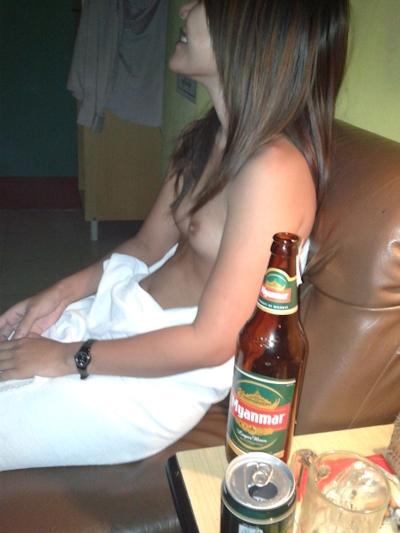 ミャンマー女性をホテルで撮影したヌード画像 3