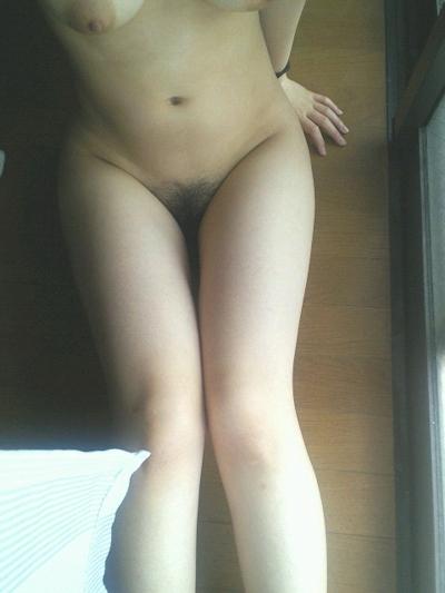 Fカップ巨乳女性の自分撮りヌード画像 20