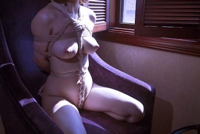 巨乳美女の緊縛ヌード画像 3