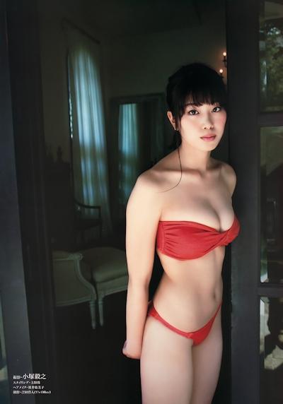 稲村亜美 セクシービキニ画像 7