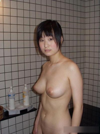 巨乳な素人女性のおっぱい画像 10