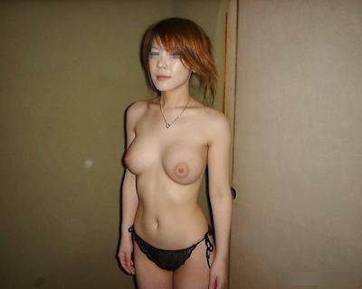 巨乳な素人女性のおっぱい画像 12