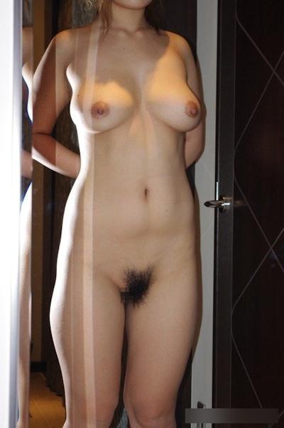巨乳な素人女性のおっぱい画像 18