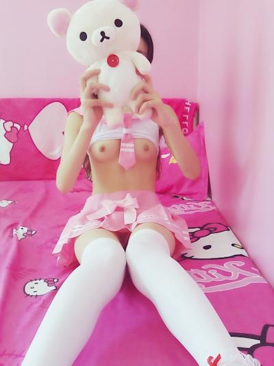美微乳少女の自分撮りコスプレヌード画像 13