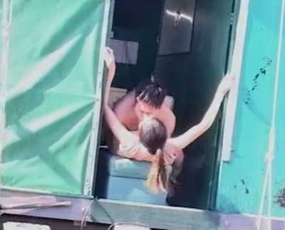 船上でセックスしてる巨乳なアジア女性のセックス動画 9