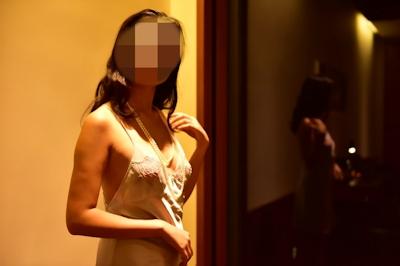 美乳女性のセクシーランジェリーヌード画像 1