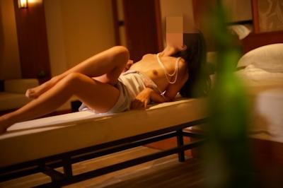 美乳女性のセクシーランジェリーヌード画像 10