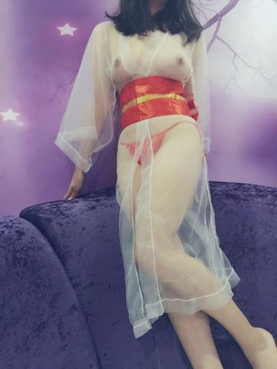 巨乳な中国女性の自分撮りヌード画像 10