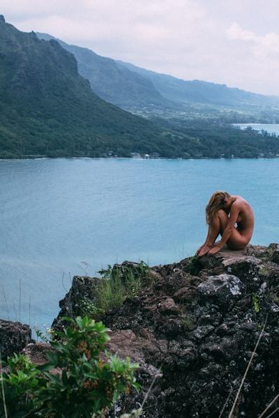 ベルギーモデル Marisa Papen(マリシア・パーペン) 大自然の中で撮影したヌード画像 13