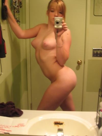 ピンク乳首で巨乳な金髪美少女の自分撮りヌード画像 5