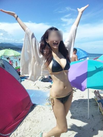 ビーチにいた巨乳素人女性のビキニ画像 28