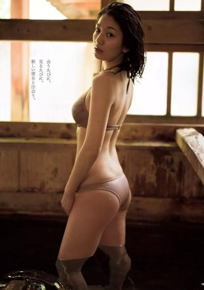 佐藤美希 セクシービキニ画像 9