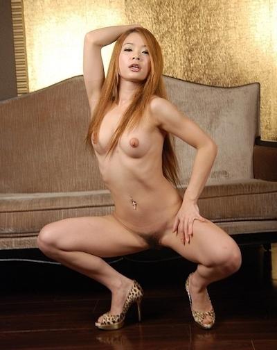 中国美女2人をホテルで撮影したヌード画像 16