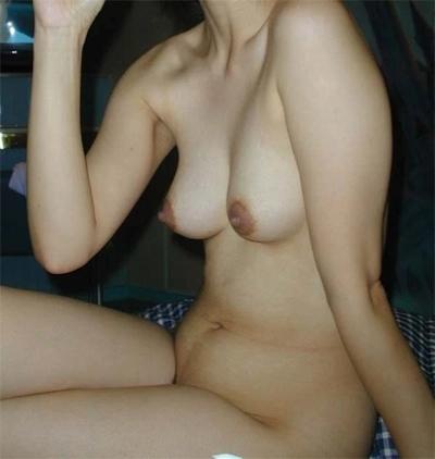 清楚系な日本の素人美女の流出ヌード画像 20