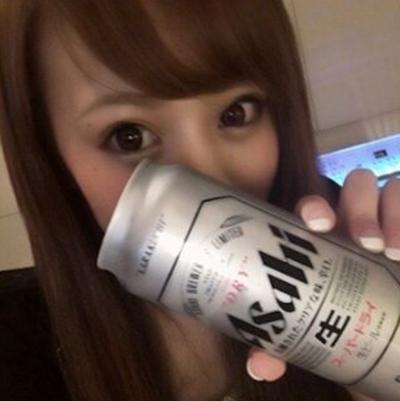 日本の美人風俗嬢がInstagramにアップしたセクシーな自分撮り画像 1