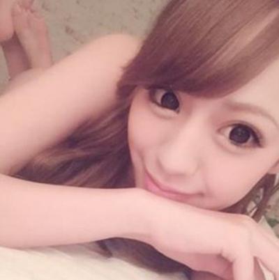 日本の美人風俗嬢がInstagramにアップしたセクシーな自分撮り画像 9