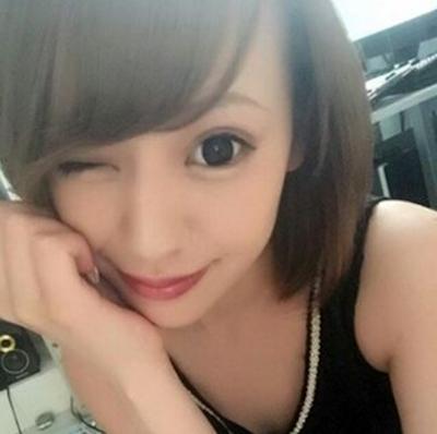 日本の美人風俗嬢がInstagramにアップしたセクシーな自分撮り画像 15