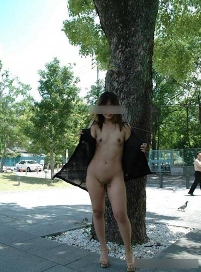 日本の素人女性の野外露出ヌード画像 7