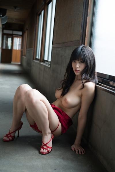 高橋しょう子(高崎聖子) セクシーヌード画像 6
