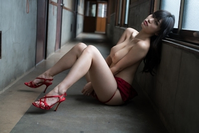 高橋しょう子(高崎聖子) セクシーヌード画像 9