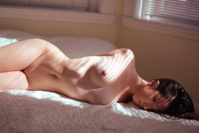芸術大学の展示会された中国美乳美女モデルのアートなヌード画像 20
