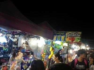 タイのジュース屋の巨乳美人店主 1