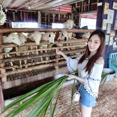 タイのジュース屋の巨乳美人店主 9