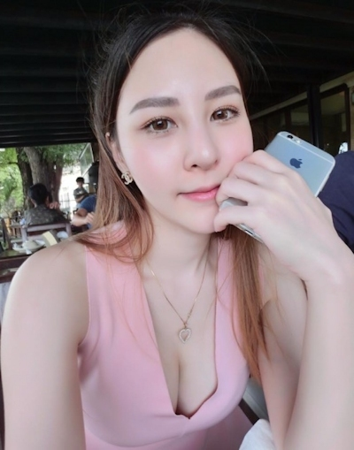 タイのジュース屋の巨乳美人店主 10