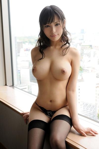 美女のおっぱい画像 25