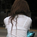 街中で撮った透けブラ画像特集